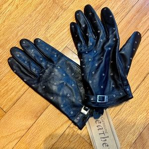 Black studded Leather Gloves-NWT